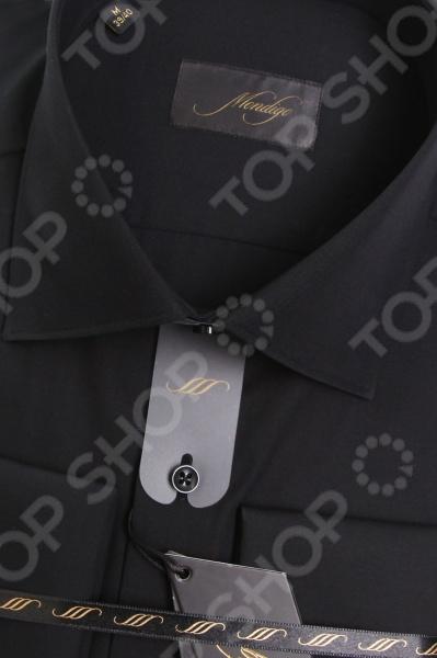 Сорочка Mondigo 50000202. Цвет: черный была и остается классикой мужской моды. Она может считаться показателем отменного вкуса и элегантности её владельца. Эта стильная мужская сорочка будет превосходно смотреться как в рамках делового, так и неформального стиля. С её помощью вы без труда сможете создать уникальный образ, который будет выгодно выделять вас среди остальных мужчин. Данная модель относится к изделиям зауженного кроя, поэтому она отлично подчеркнет ваш силуэт. Несмотря на универсальный черный цвет, с этой сорочкой вы сможете составить нескучный образ, который будет уместно смотреться и в офисе, и на торжественных мероприятиях. Особенности сорочки Mondigo 50000202:  отложной воротник;  длинный рукав;  манжеты застегиваются на запонки. Сорочка Mondigo 50000202 выполнена из высококачественного натурального хлопка, поэтому её будет приятного держать в руках, носить, удобно стирать и легко гладить. Изделие отлично подходит для повседневной носки. Она долго вам прослужит, выдерживая при этом многочисленные стирки. Для большей прочности в структуру добавлены волокна искусственного материала, которые обеспечивают прекрасные износоустойчивые характеристики сорочки.