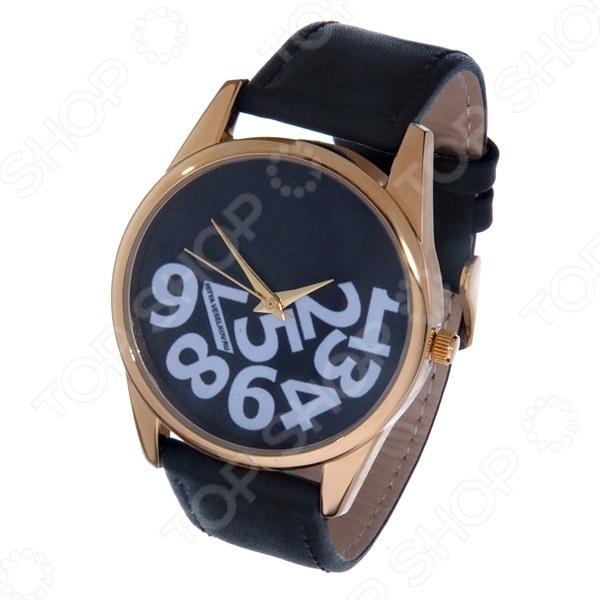 Часы наручные Mitya Veselkov «Упавшие цифры» GoldЖенские наручные часы<br>Не секрет, что правильно подобранные аксессуары вершат весь образ, добавляют ему законченности и помогают грамотно расставить цветовые акценты. Наручные часы же являются не просто стильным украшением, но и весьма функциональным аксессуаром. Именно поэтому, наряду с оригинальным дизайном и влиянием модных тенденций, при их выборе важно учитывать вид часового механизма и качество используемых материалов. Часы наручные Mitya Veselkov Упавшие цифры Gold станут отличным дополнением к набору ваших аксессуаров. Модель отличается стильным дизайном и прекрасным качеством исполнения, хорошо сочетается с яркими нарядами и оригинальными украшениями. Корпус часов выполнен из минерального стекла и сплава металлов. Ремешок изготовлен из натуральной кожи, застежка классическая. Механизм часов кварцевый Citizen Япония .<br>