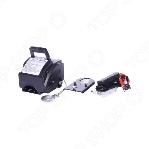 Лебедка электрическая Big Red TRC9202 автоматическая тросовая, предназначена для горизонтального перемещения грузов. Она оснащена ручкой для отмотки троса и крюком для крепления. Используется при такелажных погрузочно-разгрузочных работах.  Грузоподъемность: 900 кг  Трос стальной  Диаметр троса 4.8 мм  Длина троса 10 м  Вес лебедки 6 кг  Скорость намотки 2 м мин