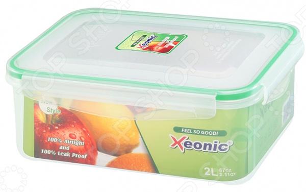 Контейнер для продуктов Xeonic XE062Контейнеры для продуктов и ланч-боксы<br>Контейнер для продуктов Xeonic XE062 идеальное решение для хранения самых разнообразных продуктов или готовых блюд. Вместительная емкость с герметичной крышкой надолго сохранит свежесть, аромат и аппетитный вид пищи. Такой контейнер можно использовать и в качестве ланч-бокса, и как переносную емкость для еды, если вы планируете пикник. Полезные свойства:  Использование качественных натуральных материалов;  Герметичность;  Легкость очищения;  Компактные размеры;  Возможность мытья в посудомоечной машине;  Приятный дизайн. Контейнер выполнен из пищевого пластика и силикона. Эти материалы прекрасно взаимодействуют с продуктами питания, легко очищаются, не впитывают запахи и устойчивы к воздействию масел и жиров. Благодаря термической устойчивости контейнер с пищей можно хранить в морозильной камере или разогревать в микроволновой печи. Крышка контейнера закрывается при помощи четырех защелок, что предотвращает вытекание содержимого и формирует в емкости необходимые условия для длительного хранения пищи.<br>
