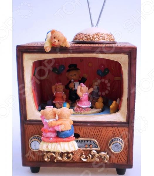Музыкальная шкатулка Star Trading «Мишки смотрят телевизор»