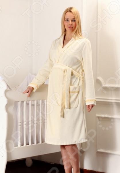 Халат для беременных Nuova Vita 304.3 - стильный велюровый халат, который станет прекрасной и незаменимой вещью в гардеробе будущей и кормящей мамы. Халат обладает свободным силуэтом, который позволяет носить его как во время беременности, так и после. Изделие выполнено из высококачественного материала, который не пылит мелким ворсом и не вырабатывает статическое электричество. Мягкий и приятный на ощупь велюр не вызовет аллергических реакций и дискомфорта как у будущей мамы, так и у малыша. Теплый и удобный халат не стесняет движения, а отдых в нем станет ещё приятней и комфортней.