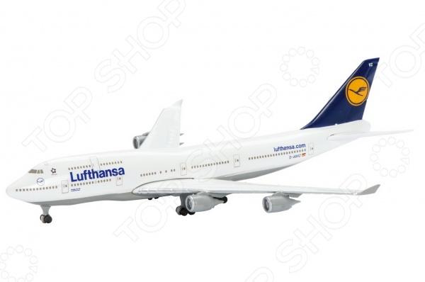 Самолет коллекционный Schabak Lufthansa B747-400 представляет собой точную копию настоящего воздушного судна. Особенность коллекции в том, что все модели изготовлены по лицензии именитых производителей. Самолет с элементами пластика обладает потрясающей детализацией. Выполнена из металла цинк . Яркий самолет разнообразит игровые ситуации, откроет новые сюжеты для маленького летчика и поможет развить мелкую моторику рук, внимание и координацию движений.