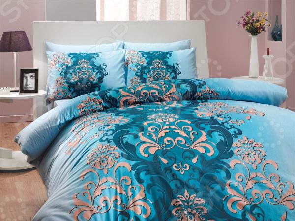 Комплект постельного белья Hobby Home Collection Almeda. Цвет: синий. ЕвроЕвро<br>Спокойный и здоровый сон для человека также жизненно необходим, как и свежий воздух, ведь именно выспавшись, вы полны новых идей и сил для их реализации. Но возможен ли приятный сон на твердой кровати или некачественном постельном белье Конечно же, нет. Именно поэтому мы с гордостью представляем загадочный, фантастически красивый и роскошный комплект постельного белья от производителя Hobby.  Hobby Almeda это постельное белье нового поколения , предназначенное для молодых и современных людей, желающих создать модный интерьер спальни и сделать быт более комфортным. Комплект изготовлен из ранфорса, который по тактильным ощущениям напоминает бязь. Этот материал идеально поддерживает естественный температурный баланс тела. Ткань подстраивается под температуру воздуха, поэтому зимой на таком белье тепло, а летом прохладно. Ранфорс легко впитывает влагу, оставаясь при этом сухим на ощупь. Яркий цвет и высокое качество продукции гарантируют, что атмосфера вашей спальни наполнится теплотой и уютом, а вы испытаете множество сладких мгновений спокойного сна. При изготовлении постельного белья Hobby используются устойчивые гипоаллергенные красители. Почему стоит выбрать постельное белье от бренда Hobby  Изготовлено из экологически чистого, гипоаллергенного материала.  Отличается высокой гигроскопичностью и хорошо пропускает воздух.  Дополнено дизайнерским рисунком, который оживит помещение.  Легко в уходе, не выцветает даже после множества стирок.  Ткань имеет 57 переплетений нитей на 1 см2. В качестве сырья для изготовления данного комплекта постельного белья использованы нити хлопка. Натуральное хлопковое волокно известно своей прочностью и легкостью в уходе. Волокна хлопка состоят из целлюлозы, которая отлично впитывает влагу. Хлопок дышит и согревает лучше, чем шелк и лен. Поэтому одежда из хлопка гарантирует владельцу непревзойденный комфорт, а постельное белье приятно на ощупь и способствуе