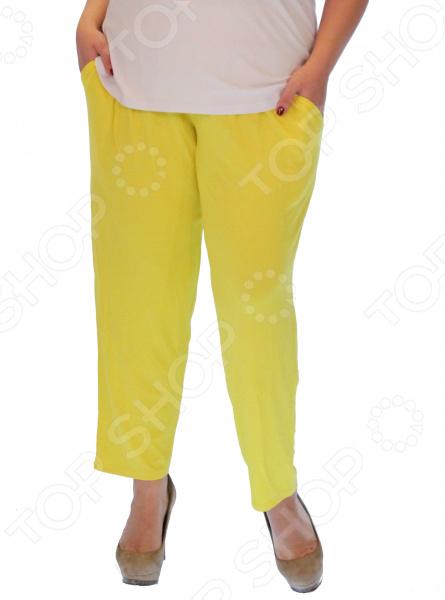 Бриджи Матекс «Ягодная радость». Цвет: желтыйБрюки. Бриджи. Шорты<br>Бриджи Матекс Ягодная радость это красивая и удобная вещь, изготовленная с учетом всех особенностей женской фигуры. Легкий эластичный материал и насыщенный цвет бридж позволит вам создать по-настоящему летний образ! Вот несомненные преимущества этих бридж:  Пояс на завязках, можете отрегулировать его для своего удобства.  Немного заужены к низу. Длина до щиколотки.  По бокам 2 практичных боковых кармана. Бриджи сшиты из приятного к телу материала 95 вискоза, 5 полиэстер . Такая ткань не вытягивается, не скатывается, не теряет форму и цвет после стирки.<br>