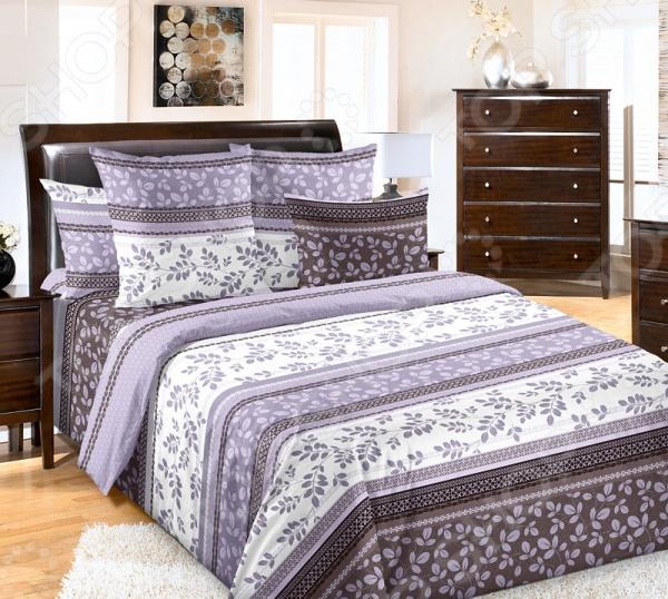 Комплект постельного белья Королевское Искушение «Водевиль». СемейныйСемейные<br>Здоровый и комфортный сон зависит не только от того насколько ваш матрас и подушка мягкие и удобные, но и, не в последнюю очередь, от того на каком постельном белье вы спите ежедневно. Очень важно при выборе постельного белья ориентироваться не только на его цену и яркий дизайн, но и на качество, и тонкость материала. Жесткие и плотные ткани, пусть даже и натуральные, не подходят для ежедневного использования, ведь они могут причинить коже удивительный дискомфорт, вызвав её покраснения и раздражения. Комплект постельного белья Королевское Искушение Водевиль относится к постельному белью перкалевой группы, которая является идеальным решением для повседневного использования. При производстве этого материала плотного полотняного переплетения, используются некрученые плотные и тонкие нити из длинноволокнистого хлопка. Их сочетание делает перкаль одновременно тонким и прочным. Поэтому в отличии от постельного белья произведенного из бязи, данный комплект будет более гладким, мягким и шелковистым на ощупь. На таком постельном белье не будут возникать катышки, которые делают его не только не привлекательным, но и очень неудобным. Особенность этого набора является то, что некоторые его детали пододеяльник скроены из основного материала и материала-компаньона, который может не совпадать рисунком. Преимущества постельного белья Королевское Искушение Водевиль :  натуральность и экологичность материалов;  долговечность, прочность и износостойкость белья;  легкий и комфортный сон в любой сезон;  приемлемая цена. Другой особенностью комплекта постельного белья Королевское Искушение Водевиль является стильный и современный дизайн, который придется по вкусу даже самым взыскательным ценителям стиля, красоты и практичности. Оригинальный растительный принт будет достойным украшением уютного интерьера вашей спальни. Он привнесет в него стиля и современности. Рисунок не будет терять своей яркости и точности