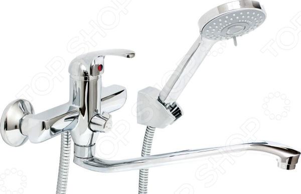 Смеситель для ванны и умывальника с массажной лейкой Argo EchoСмесители для ванной комнаты<br>Смеситель для ванны и умывальника с массажной лейкой Argo Echo незаменимый элемент любой ванной комнаты. Смеситель изготовлен из высококачественной латуни этот материал отличается гигиеничностью и долговечностью. Покрытие изделия выполнено из никеля и хрома оно надежно защищает смеситель от появления коррозии и продлевает срок его эксплуатации. Укомплектованная прокладка-фильтр эффективно справляется с очищением воды от механических примесей и включений. Изделие дополнено аэратором, расположенным на самом конце излива. Он эффективно смешивает воду с воздухом, делая ее более мягкой, а напор равномерным. К тому же, наличие аэратора способствует уменьшению шума при работе смесителя примерно на 25 . В комплекте представлен душевой шланг длиной 150 см, оплетка выполнена из хромированной нержавеющей стали и надежно закреплена при помощи двойного замка. Душевая лейка может находиться в трех режимах: душ, массаж или душ с массажным эффектом. Тип крепежа эксцентрик 3 4 х1 2 , наружная резьба типа only plast . Диаметр соединительного отверстия 1 2 . При давлении 0,3 МПа производительность системы составляет от 10 до 13 литров в минуту. В комплекте:  смеситель;  душевой шланг;  кронштейн двухпозиционный;  лейка.<br>
