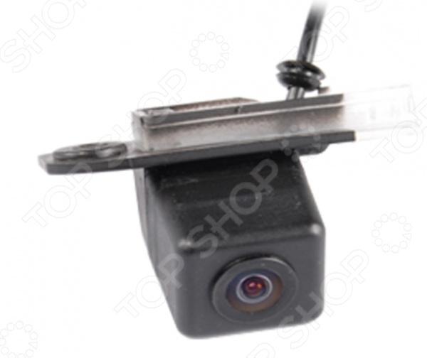 Камера заднего вида ParkCity PC-9598CКамеры заднего вида<br>Камера заднего вида ParkCity PC-9598C это отличный выбор как для начинающих автомобилистов, так и для опытных водителей. Многие автолюбители уже успели по достоинству оценить всю практичность и удобство использования подобных устройств. Камера предназначена для безопасной парковки и движения машины задним ходом, что особенно актуально в непогоду и темное время суток. Модель совместима с автомобилями VOLVO S40, S80, XC90 . Угол обзора устройства составляет 170 градусов, рабочий температурный диапазон от -40 C до 70 C.<br>