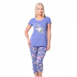 фото Костюм домашний: футболка и капри Santi AW15-UAT-LST-193. Рисунок: синие розы. Размер одежды: 50-52