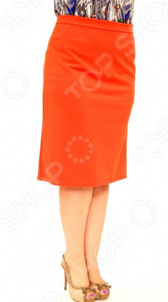 Юбка Элеганс «Эшли». Цвет: оранжевыйЮбки<br>Юбка Элеганс Эшли создана с учетом всех особенностей женской фигуры, чтобы вы могли легко создать неповторимый, элегантный женственный образ. Это уникальная модель, которую можно сочетать со многими вещами в вашем гардеробе. Особенности юбки Элеганс Эшли:  Пояс на широкой резинке, не ограничивает движений;  Материал не мнется, не скатывается и не линяет.  Швы обработаны текстурированными, эластичными нитями, благодаря чему не тянутся и не натирают кожу. Юбка выполнена из лёгкого и приятного к телу материала 40 хлопок, 60 полиэстер . Полиэстер очень быстро высыхает после стирки и не мнется. Даже после длительных стирок и использования эта юбка будет выглядеть идеально.<br>