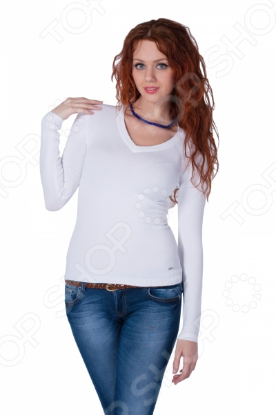 Джемпер Mondigo 9131. Цвет: белыйДжемперы. Кардиганы. Свитеры<br>Джемпер Mondigo 9131. Цвет: белый - универсальный элемент одежды в женском гардеробе. Он будет уместно смотреться и в повседневном, и в классическом стиле. Конечный образ будет различаться в зависимости от выбранного вами ансамбля. Так, сочетание джемпера с расклешенными от талии юбками, широкими брюками в стиле марлен создадут элегантный и стильный дуэт, который идеально подойдет для офиса. Не менее эффектно джемпер будет выглядеть в паре с узкими джинсами и юбками-карандашами, которые позволят создать красивый кэжуал образ. Просто добавьте свои любимые аксессуары и оригинальный, уникальный наряд будет завершен. Однотонный джемпер Mondigo 9131 выполнен оригинальной вязкой, которая интересно заиграет в паре с различными по фактуре тканями. Неглубокий V-образный вырез выгодно подчеркнет вашу грудь, а приталенный крой грамотно обозначит тонкую талию. С его помощью вы без труда сможете составить нескучный образ, который в то же время будет отличаться максимальным удобством и комфортом. Порадуйте себя смелыми и элегантными образами с джемпером Mondigo 9131!<br>
