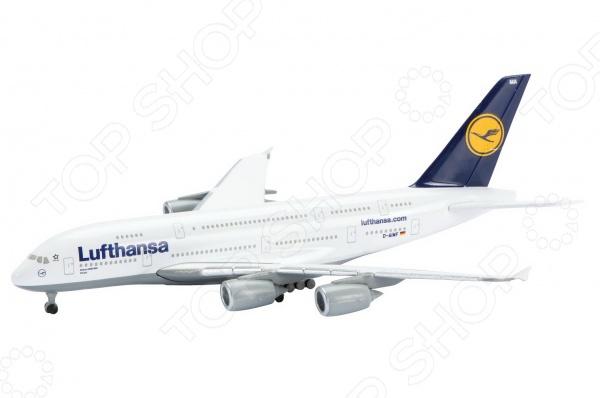 Самолет коллекционный Schabak Lufthansa A380-800Самолеты. Вертолеты<br>Самолет коллекционный Schabak Lufthansa A380-800 представляет собой точную копию настоящего воздушного судна. Особенность коллекции в том, что все модели изготовлены по лицензии именитых производителей. Самолет с элементами пластика обладает потрясающей детализацией. Выполнена из металла цинк . Яркий самолет разнообразит игровые ситуации, откроет новые сюжеты для маленького летчика и поможет развить мелкую моторику рук, внимание и координацию движений.<br>