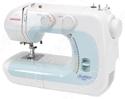 Швейная машина Janome 2039Швейные машины<br>Швейная машина Janome 2039 компактное и полезное в быту приспособление, которое станет прекрасным помощником как для начинающих рукодельниц, так и для настоящих мастериц. Наличие 13-ти швейных операций обеспечивает необходимый арсенал функций, благодаря которому вы сможете воплотить в реальность все творческие задумки. Устройство отличается высокой мощностью и надежностью, прочный пластиковый корпус стойко переносит различные механические воздействия. А его оригинальный дизайн будет обязательно оценен каждой рукодельницей. Челнок качающегося типа классический изготовлен из высокопрочного металла, обеспечит достойный и комфортный пошив изделий. Швейная машина эффективно справляется как с выполнением рабочих строчек, так и оверлочных. Выполнение петли в автоматическом режиме обеспечивает быстрое и качественное пришивание пуговиц. Система обратного хода поможет легко разобраться с застрявшей тонкой тканью. А функция свободный рукав обеспечивает качественную обработку трубчатых изделий.<br>