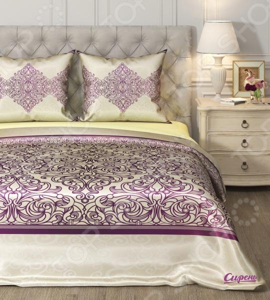 Комплект постельного белья Сирень «Рапсодия». 1,5-спальный1,5-спальные<br>Комплект постельного белья Сирень Рапсодия это идеальное сочетание уюта и комфорта, которое создаст атмосферу нирваны и покоя! Материал изделия удивительным образом соединил в себе манящий блеск и нежное прикосновение мягкой ткани. Верх комплекта выполнен из искусственного шелка высшего качества, который приятно скользит между пальцами, тогда как низ изделия состоит из микрофибры совершенно не скользкого материала. Наволочки не электризуются, а также на них практически невозможно запутать волосы, что явно оценят представительницы прекрасного пола. Оформление композиции выполняется с помощью высокоточных 3D-принтеров, которые передают и сохраняют весь цветовой спектр оттенков картины и узора. Современные краски не выгорают на солнце и способны пережить множество стирок, не теряя своих свойств. Ухаживать за тканью очень просто и не требует особых навыков. Гладить изделие разрешается только в режиме шелк или при 150 градусах. Во время стирки старайтесь не поднимать температуру воды выше 30 градусов, иначе цвета начнут тускнеть. Рисунок комплекта поражает нежностью и насыщенностью красок. Удивительный узор покрывает все полотно и копируется на каждом элементе набора. Заправленная постель превращается в райский уголок, где вы сможете позабыть о будничных проблемах и окунуться в мир сновидений!<br>