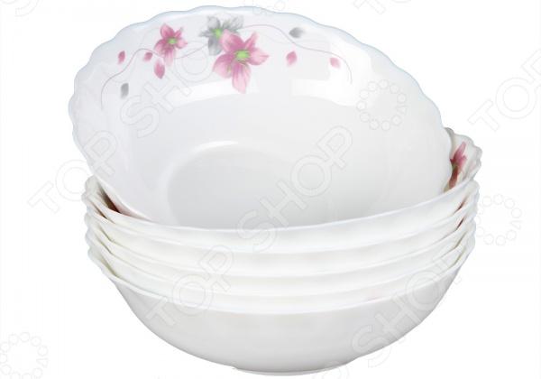 Набор тарелок суповых Rosenberg 1256-3Суповые тарелки<br>Каждая хозяйка знает насколько важна в кулинарии сервировка и правильная подача блюд. От того как блюдо оформлено, в какой посуде подано и как смотрится на тарелке, зависит едва ли не половина вашего успеха. Набор тарелок суповых Rosenberg 1256-3 прекрасно подойдет для сервировки обеденного стола. Тарелки выполнены в виде глубоких чаш и предназначены для подачи супов, бульонов и борщей. Посуда изготовлена из ударопрочного стекла и декорирована оригинальным цветочным рисунком. В наборе шесть тарелок.<br>