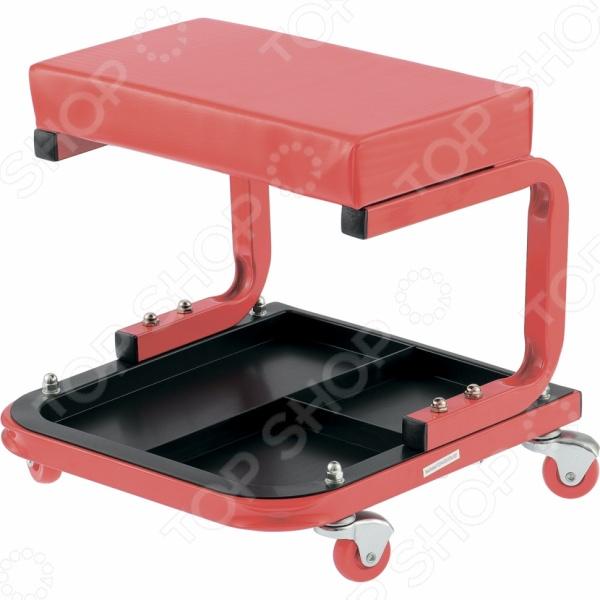 Сиденье ремонтное MATRIX 567035Гаражный инструмент и оборудование<br>Сиденье ремонтное MATRIX 567035 удобное и практичное приспособление, которое по достоинству оценят профессиональные мастера и те, кто просто любит возиться с ремонтом различных деталей в собственным гараже. Конструкция имеет четыре колеса с углом поворота на 360 , что обеспечивает удивительную мобильность и удобство перемещения. Внизу предусмотрен поддон для инструментов и мелких деталей. Больше не придется вставать каждый раз за нужным ключом, отверткой, гвоздем или шурупом все необходимые ремонтные принадлежности будут прямо под рукой. Само сиденье имеет достаточно мягкую конструкцию, поэтому вы не будете испытывать дискомфорта даже после нескольких часов кропотливой или трудоемкой работы.<br>