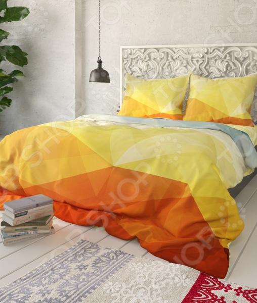 Комплект постельного белья Сирень «Геометрия». 1,5-спальный1,5-спальные<br>Здоровый и комфортный сон зависит не только от того насколько ваш матрас и подушка мягкие и удобные, но и, не в последнюю очередь, от того на каком постельном белье вы спите ежедневно. Очень важно при выборе постельного белья ориентироваться не только на его цену и яркий дизайн, но и на качество, и плотность, тип материала. Жесткие и плотные ткани, пусть даже и натуральные, не подходят для ежедневного использования, ведь они могут причинить коже удивительный дискомфорт, вызвав её покраснения и раздражения. На такой постели также часто образуются катышки, которые в конец портят внешний вид белья и ваше настроение. Комплект постельного белья Сирень Геометрия роскошное, современное постельное белье, которое покорит вас своей красотой, элегантностью, прочностью и изысканностью. Несмотря на то, что оно выполнено из искусственных материалов из сочетания искусственного шелка и микрофибры, это постельное белье отлично пойдет для повседневного использования. По своим характеристикам оно ничуть не уступает изделиям из натуральных материалов. Оно очень мягкое и нежное, не травмирует даже самую чувствительную кожу. Даже если вы спите очень беспокойной, оно не будет сбиваться в грубые складки. За счет использования искусственного шелка, белье получает приобретает благородный мягкий блеск, приятные прикосновения и утонченный внешний вид. Низ изделий выполнен из микрофибры не будет скользить по кровати. Особое внимание заслуживает дизайн этого комплекта, который придется по душе даже самым требовательным покупателям. По истине королевский внешний вид достигается за счет необычного и оригинального геометрического дизайна рисунка. Приятная цветовая гамма постельного белья не только впишется в общий интерьер вашей спальни, но и станет её украшением. Такой комплект станет прекрасным подарком вашим близким, ведь вашим подарком станут не только высококачественные изделия, но и спокойный, здоровый сон, яркие и цве