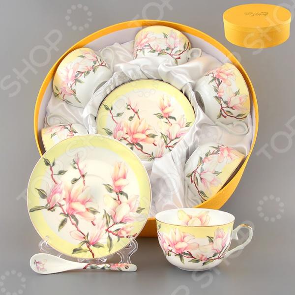Чайный набор с ложками Elan Gallery «Орхидея на желтом»Чайные и кофейные наборы<br>Чайный набор с ложками Elan Gallery Орхидея на желтом - невероятно красивый и изящный набор, станет превосходным подарком для ваших родных и близких на свадьбу, юбилей или новоселье. Набор выполнен из высококачественного экологически чистого материала с декоративным рисунком. Чайный сервиз станет настоящим украшением любого стола, как повседневного, так и празднично сервированного, принесет в Ваш дом красоту и уют душевных чаепитий! Набор поставляется в подарочной упаковке. В комплекте 18 предметов, объем чашки 250 мл.<br>