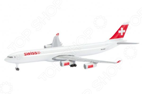 Самолет коллекционный Schabak Swiss Air A340-300 представляет собой точную копию настоящего воздушного судна. Особенность коллекции в том, что все модели изготовлены по лицензии именитых производителей. Самолет с элементами пластика обладает потрясающей детализацией. Выполнена из металла цинк . Яркий самолет разнообразит игровые ситуации, откроет новые сюжеты для маленького летчика и поможет развить мелкую моторику рук, внимание и координацию движений.