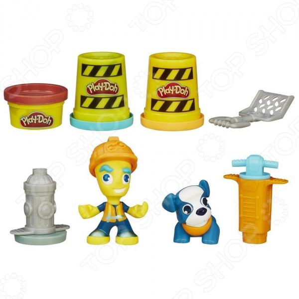 Набор игровой для лепки Hasbro «Житель и питомец». В ассортиментеЛепка из пластилина<br>Товар продается в ассортименте. Внешний вид и комплектация заказа зависят от наличия товарного ассортимента на складе. Набор игровой для лепки Hasbro Житель и питомец предназначен для таких маленьких, но уже таких любознательных малышей. В яркой упаковке находятся 3 баночки пластилина разного цвета, фигурка человечка и его питомца. Рабочий Брик и его верный пес, занимаются строительством, а парикмахер Снипс и ее попугай делают стильные прически. Пластилин крайне пластичен, не липнет к рукам или одежде, а цвета хорошо смешиваются между собой, расширяя доступную палитру. Представленный набор нетоксичен и абсолютно безопасен для здоровья. Лепка развивает усидчивость, фантазию, образное восприятие и логическое мышление. Кроме того, у ребенка тренируется зрительная координация и мелкая моторика рук. Не упустите шанс порадовать юного мастера замечательным подарком!<br>