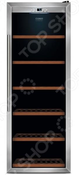 Холодильник винный CASO WineSafe 137Холодильники<br>Холодильник винный CASO WineSafe 137 используется для хранения вин и их охлаждения перед подачей на стол. Модель снабжена сенсорной системой управления и рассчитана на 137 винных бутылок типа Бордо объемом 0,75 л . Холодильник оборудован активным вентилятором, стеклянной дверцей с UV-фильтром и 6 выдвижными деревянными полками. Диапазон установки температур составляет 5-22 C. В качестве хладагента используется фреон R-600a не разрушает озоновый слой .<br>