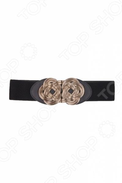 Ремень Mondigo 0146 станет завершающей деталью при создании стильного образа. Такой ремень-резинка несет не только практическую и функциональную значимость, но и является элементом декора. Ремень не просто красивая деталь, но и способ подчеркнуть достоинства фигуры. Для того чтобы ремень красиво смотрелся с другими деталями одежды, следует соблюдать некоторые рекомендации стилистов:  ремень должен сочетаться по цвету и фактуре материала с обувью и сумкой;  хорошо, если ремень сочетается с цветом или узором топа, блузки или же с принтами на брюках или джинсах. Этот ремень поможет вам всегда выглядеть стильно и проявить свою индивидуальность. Ширина ремня 6 см.