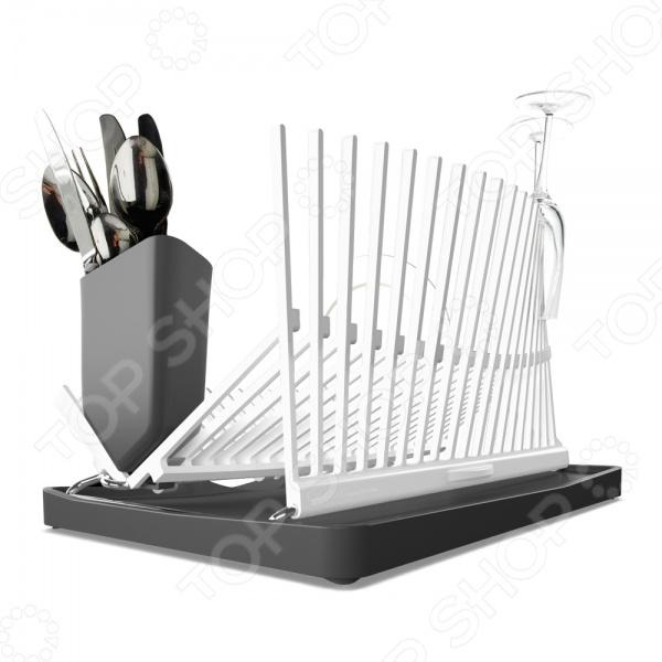 Сушилка для посуды Black+Blum ForminimalСушилки для посуды<br>Сушилка для посуды Black Blum Forminimal - оригинальная и стильная модель, по форме напоминающая архитектурное сооружение, станет настоящим украшением вашей кухни. Стекающая с сохнущей посуды вода скапливается в специальном поддоне, который легко моется. На вертикальных держателях можно разместить и тяжелую кухонную утварь и хрупкие бокалы. Допускается мытье конструкции в посудомоечной машине.<br>