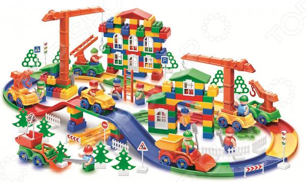 Конструктор игровой Bauer «Стройка»Игровые конструкторы<br>Конструктор игровой Bauer Стройка отличный игровой комплект, который понравится как мальчикам, так и девочкам. В наборе имеется 200 деталей различных цветов желтый, зеленый, красный, синий , также имеются элементы для крыши, строительные инструменты пила, молоток , телефон и оконные рамы. Все эти детали станут основой для конструирования строительной площадки. Ребенок может дополнить сооружения декоративными деревьями или создать несколько подъемных кранов для перемещения грузов. В комплекте имеются фигурки человечков-строителей, а также средства передвижения машинка, экскаватор, манипулятор, автокран, автовышка. Ребенок легко и с удовольствием справится с конструированием строительной площадки, так как все детали соединяются друг с другом легким нажатием. Детали комплекта выполнены из ударопрочного высококачественного пластика, нетоксичного и безопасного для детей, окрашены устойчивыми красителями ярких цветов. Прилагаемая в наборе подробная инструкция поможет разобраться со всеми нюансами сборки конструктора.<br>
