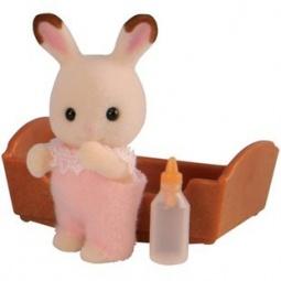 фото Игровой набор Sylvanian Families «Малышка Кролик в розовом костюмчике»