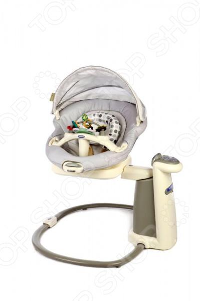 Люлька-баунсер GRACO Sweetpeace - замечательное приспособление, которое станет незаменимым помощником для родителей новорожденного малыша. GRACO Sweetpeace представляет собой укачивающий центр, который способен имитировать заботливые руки мамы. Благодаря специальным опциям электрокачели помогут успокоить малыша и обеспечить ему полный комфорт. Модель оснащена специальной технологией Mom Motion, которая позволяет имитировать естественные движения родителей во время укачивания малыша. Сиденье можно установить в 4-х положениях, а так же спинка имеет 3 уровня наклона. Съемное сиденье оснащено функцией вибрации, его очень легко переносить с места на место. Кресло оснащено богатым музыкальным репертуаром, который включает в себя 15 различных звуков природы, а так же колыбельные и детские песенки. Кроме того есть возможность подключения МР3-плеера. Функция укачивания имеет 6 уникальных скоростей. Ухаживать за креслом очень легко, подушку сиденья можно стирать в стиральной машинке. Безопасность ребенка обеспечивают ремни, которые легко регулируются. В комплект входят игрушки и съемный игровой столик.