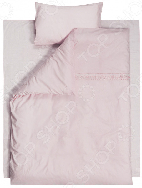 Ясельный комплект постельного белья Dream Time BLK-44-PE-241Детские комплекты постельного белья<br>Dream Time BLK-44-PE-241 это постельное белье нового поколения , предназначенное для молодых и современных людей, желающих создать модный интерьер в детской комнате. Комплект изготовлен из приятной на ощупь ткани, на 100 состоящей из хлопка. Насыщенный цвет и высокое качество продукции гарантируют, что атмосфера в помещении наполнится теплотой и уютом, а малыш испытает множество сладких мгновений спокойного сна. При изготовлении постельного белья Dream Time используются устойчивые гипоаллергенные красители. Почему стоит выбрать постельное белье от бренда Dream Time  Изготовлено из экологически чистого, гипоаллергенного материала.  Выполнено в лаконичном дизайне.  Легко в уходе, не выцветает даже после множества стирок. В качестве сырья для изготовления данного комплекта постельного белья использованы нити хлопка. Натуральное хлопковое волокно известно своей прочностью и легкостью в уходе. Волокна хлопка состоят из целлюлозы, которая отлично впитывает влагу. Хлопок дышит и согревает лучше, чем шелк и лен. Поэтому одежда из хлопка гарантирует владельцу непревзойденный комфорт, а постельное белье приятно на ощупь и способствует здоровому сну.<br>