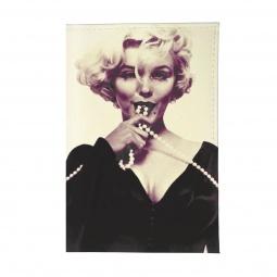 фото Обложка для паспорта Mitya Veselkov «Монро с бусами»