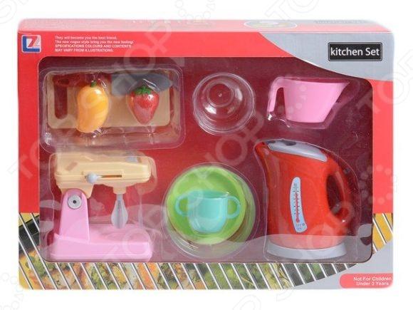 Игровой набор с техникой для кухни Shantou Gepai «Чайник, миксер и посуда»Сюжетно-ролевые наборы<br>Не секрет, что девочки любят во всем подражать своим мамам. Игровой набор с техникой для кухни Shantou Gepai Чайник, миксер и посуда станет отличным подарком для вашей любимой доченьки. Маленькая хозяюшка поможет маме приготовить вкусный завтрак и накрыть на стол. Такие сюжетно-ролевые игры не только увлекательны, но и весьма познавательны для ребенка, способствуют развитию воображения, фантазии и когнитивного мышления. В игровой набор входит все необходимое: чайник, миксер, чашка, тарелочка, разделочная доска и т.д. Игрушки выполнены из высококачественных, безопасных для здоровья ребенка, материалов. Предназначено для детей в возрасте от 3-х лет.<br>