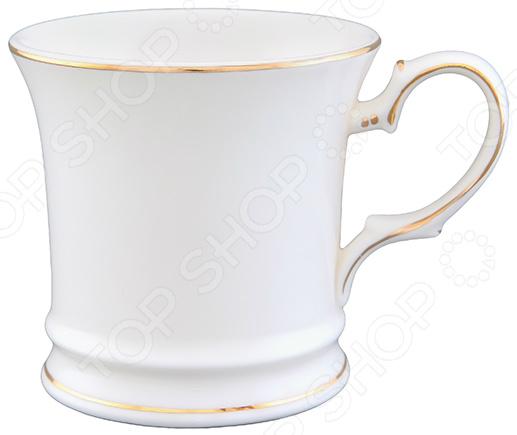 Кружка Elan Gallery «Снежинка»Кружки. Чашки<br>Кружка Elan Gallery Снежинка изготовлена из высококачественной керамики и дополнена золотистой каемкой. Посуда из этого материала позволяет максимально сохранить полезные свойства и вкусовые качества воды. Заварите крепкий, ароматный чай или кофе в представленной модели, и вы получите заряд бодрости, позитива и энергии на весь день! Классическая форма и универсальная цветовая гамма изделия позволят наслаждаться любимым напитком в атмосфере еще большей гармонии и эмоциональной наполненности. Преимущества кружки Elan Gallery Снежинка :  Изготовлена из керамики, что позволяет сохранить полезные свойства и вкусовые качества воды.  Украшена интересным рисунком.  Вмещает до 170 мл напитка.  Поставляется в подарочной упаковке. Кружка Elan Gallery Снежинка является прекрасным подарком для ваших любимых, родных и близких.<br>