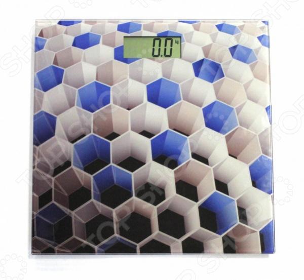 Весы Bradex «Соты»Весы<br>Весы напольные Bradex Соты электронные весы для каждого дома, предназначенные для точного взвешивания массы тела. Оснащены сенсорной технологией управления. Жидкокристаллический дисплей поможет быстро считывать данные. Достаточно компактны, поэтому вопросов с хранением не возникнет. Легко поместятся под диван, шкаф или даже под ванную. Также достаточно просты в использовании, с ними справится даже ребенок. Прибор показывает вес с точностью до 100 грамм. Как использовать:  Xтобы точно измерить массу тела, весы следует установить на твердом ровном полу.  Аккуратно встаньте на прибор, избегая резких движений, чтобы его активировать.  Стойте неподвижно во время взвешивания.<br>