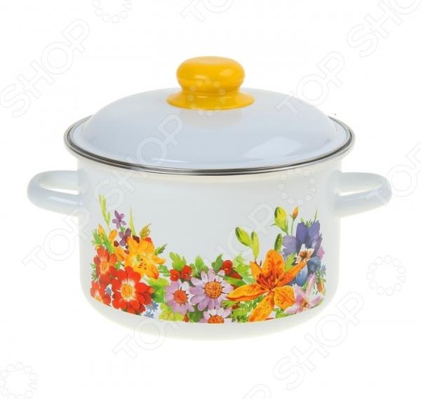 Кастрюля Стальэмаль «Полянка»Кастрюли<br>Кастрюля Стальэмаль Полянка станет незаменимой помощницей на вашей кухне. Каждая хозяйка знает, что вкусная и здоровая еда может получится только если она приготовлена в качественной посуде. Именно поэтому, при выборе такой важной кухонной утвари как кастрюля, следует быть особенно внимательным. Представленная модель является образцовым примером того, какой должна быть посуда, ведь при ее изготовлении были использованы самые качественные материалы. Корпус из стали исключает возможность деформации и гарантирует долгий срок службы аксессуара. Двойной слой эмалевого покрытия устойчив к перепадам температуры, обладает высокой механической прочностью и противостоит воздействию пищевых кислот. Широкое дно, обеспечивает идеальный контакт с конфоркой и способствует равномерному разогреванию пищи. В комплект также входит крышка, которая помогает сохранять тепло намного дольше. Можно мыть в посудомоечной машине.<br>