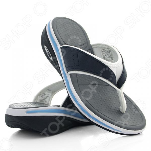 Сланцы женские Walkmaxx Flip Flop. Цвет: синийКлоги. Тапочки. Сандалии<br>Сланцы мужские Walkmaxx Flip Flop сделают любую прогулку еще приятнее даже в самую жаркую погоду. Эта удобная обувь подойдет как для улицы, так и для домашнего использования. Однако они особенно хороши для отдыха на пляже. Поверхность подошвы сланцев покрыта пупырышками , которые очень приятно массируют стопу. Обувь имеет оригинальную округлую подошву Walkmaxx, которая способствует укреплению мышц ног и ягодиц. Стопа, перекатываясь с пятки на носок, находится в постоянном движении, усиливая циркуляцию крови. В результате ноги не затекают. При ходьбе в этих сланцах давление перераспределяется с суставов на мышцы, что позволяет терять вес и укреплять свое тело с каждым вашим шагом. Оцените основные преимущества Walkmaxx Flip Flop:  Удобные, привлекательные и современные: новый яркий дизайн, подчеркивающий изысканность вашего повседневного внешнего вида.  Оригинальная подошва округлой формы Walkmaxx изготовлена из EVA-резиновой смеси, обеспечивающей дополнительную амортизацию.  Стелька создает приятный массажный эффект.  Обеспечивают правильное положение стопы.<br>
