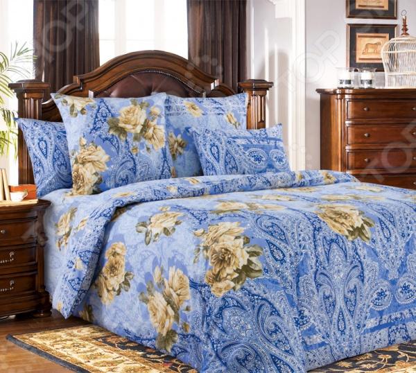 Комплект постельного белья Белиссимо «Розали». 2-спальный2-спальные<br>Комплект постельного белья Белиссимо Розали производится из высококачественной бязи, 100 хлопка. Использование особо тонкой пряжи делает ткань мягче на ощупь, обеспечивает легкое глажение и позволяет передать всю насыщенность цветовой гаммы. Благодаря более плотному переплетению нитей и использованию высококачественных импортных красителей, постельное белье Василиса выдерживает до 70 стирок. В качестве сырья для изготовления этого изделия использованы нити хлопка. Натуральное хлопковое волокно известно своей прочностью и легкостью в уходе. Волокна хлопка состоят из целлюлозы, которая отлично впитывает влагу. Хлопок дышит и согревает лучше, чем шелк и лен. Поэтому одежда из хлопка гарантирует владельцу непревзойденный комфорт, а постельное белье приятно на ощупь и способствует здоровому сну. Не забудем, что хлопок несъедобен для моли и не деформируется при стирке. За эти прекрасные качества он пользуется заслуженной популярностью у покупателей всего мира. Комплект постельного белья Белиссимо Розали выполнен из ткани бязь. Бязь это одна из самых популярных тканей. Постоянному спросу на такую ткань способствует то, что на протяжении многих лет она остаётся незаменимой в производстве постельного белья, медицинской одежды, мужских сорочек и даже детских пеленок. Это объясняется уникальными свойствами такой ткани: она неприхотлива и долговечна.<br>