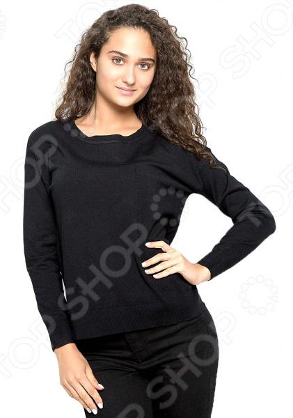 Джемпер Baon B136703. Цвет: черныйДжемперы. Кардиганы. Свитеры<br>Джемпер это не только универсальная, но и весьма демократичная одежда. В зависимости от кроя, цветовой гаммы и рисунка, он может стать частью как классического, так и casual-гардероба. Такая одежда не просто удобна и практична, она еще и легко сочетаема с другими предметами гардероба. Стильно и со вкусом Джемпер Baon B136703 подчеркнет ваш вкус и поможет создать стильный и гармоничный casual-образ. Модель универсальна, прекрасно подходит для повседневного гардероба и хорошо сочетается с узкими брюками, джинсами, шортами и юбками-карандаш. Благодаря свободному крою и прямым проймам, джемпер можно носить как самостоятельно, так и в комплекте с рубашкой. Модель выполнена в черной цветовой гамме, а такие вещи, как известно, сочетаются практически с любыми цветами и оттенками.  Особенности модели:  свободный крой;  длинные рукава с манжетами;  круглый воротник;  небольшие боковые разрезы;  сезон осень-зима. В качестве материала используется трикотаж с высоким содержанием вискозы. Ткань очень мягкая, шелковистая и приятная на ощупь. Добавление к вискозе полиамида делает материал еще более прочным и устойчивым к истиранию. Также стоит отметить высокое качество используемых красителей. Они долго сохраняют свою яркость и не теряют цвет даже после многочисленных стирок.  Будь в тренде! Одежда Baon это синоним качества и стильного современного дизайна. Компания занимается производством как мужской, так и женской одежды. Коллекции соответствуют лучшим европейским трендам, а модели адаптированы под самые актуальные модные тенденции. Хотите выглядеть модно и стильно Тогда вперед за покупками в Baon!<br>