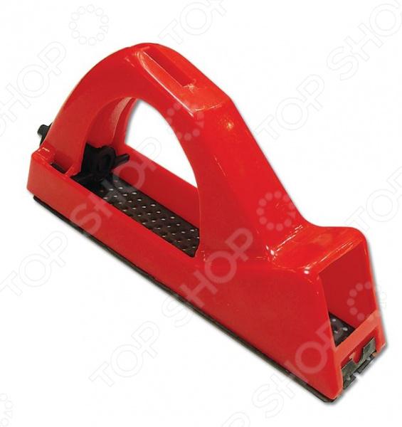 Рубанок обдирочный SANTOOL 030753Рубанки<br>Рубанок обдирочный SANTOOL 030753 инструмент, используемый для обработки гипсокартона и поверхностей из твердой и мягкой древесины. Он станет отличным дополнением к набору ваших слесарных инструментов и пригодится при выполнении ремонтных и отделочных работ. Рубанок выполнен из высокопрочного пластика и снабжен отверстиями для отвода стружки. Эргономичная D-образная ручка обеспечивает удобный и надежный захват рубанка во время выполнения работ.<br>