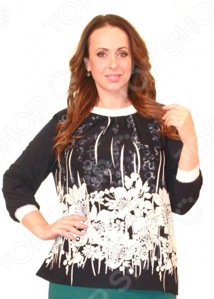 Блуза Элеганс «Безумный поцелуй»Блузы. Рубашки<br>Блуза Элеганс Безумный поцелуй это легкая и нежная блуза, которая привлечет внимание окружающих своей нежной изысканностью. Благодаря грамотному дизайну она скроет любые недостатки силуэта, а универсальная длина до середины бедра и выразительный фасон позволяют надеть ее не только в офис или на прогулку, но и на официальные мероприятия.  Круглый вырез горловины визуально удлинит горло и подчеркнет плавность черт.  Удобные рукава подходят для женщин с любой полнотой рук.  Универсальная длина до середины бедра и выразительный фасон позволяют надеть ее не только в офис или на прогулку, но и на официальные мероприятия. Особого внимания заслуживает оригинальный принт блузы это не только элемент стиля. Он имеет важную функцию: яркая расцветка, отвлекает внимание от недостатков и облегчает силуэт. Это классический и эффективный прием, помогающий добиться гармоничных пропорций тела. Блузу можно комбинировать с разнообразными аксессуарами, она одинаково хорошо выглядит с юбками и брюками. Блуза изготовлена из мягкого трикотажа полиэстера 97 и эластана 3 . Полиэстер быстро высыхает после стирки. Материал не мнется, не скатывается и не линяет. Швы обработаны текстурированными, эластичными нитями, благодаря чему не тянутся и не натирают кожу. Производство Россия.<br>