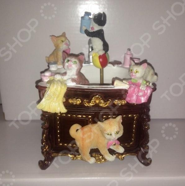 Музыкальная шкатулка Crystal Deco «Комод-умывальник с котятами»