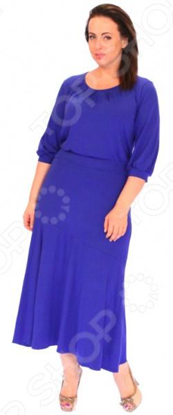 Платье Матекс «Алиша». Цвет: васильковыйПовседневные платья<br>Платье Матекс Алиша это легкое платье, которое поможет вам создавать невероятные образы, всегда оставаясь женственной и утонченной. Грамотный крой и цвет скрывают недостатки фигуры и подчеркивают достоинства. В этом платье вы будете чувствовать себя блистательно как на празднике, так и на вечерней прогулке по городу.  Элегантное длинное платье с широкой свободной юбкой.  Круглый вырез горловины подчеркнут вытачками.  Рукава 3 4 на манжетах.  По линии талии идет вшивной пояс. Платье сшито из мягкой эластичной ткани, состоящей на 95 из вискозы и на 5 из полиэстера. Материал хорошо пропускает воздух, не линяет, не скатывается, формы от стирки не теряет.<br>