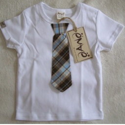 фото Футболка для новорожденных с галстуком Ёмаё. Цвет: белый. Размер: 28. Рост: 104 см