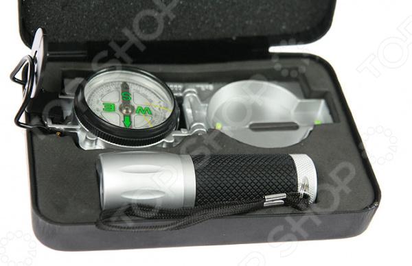 Набор: компас и фонарик 299025Компасы<br>Набор: компас и фонарик полезное приобретение, которое понадобится во время путешествия. Данная модель станет прекрасным подарком человеку, который любит практичные и многофункциональные вещи. Этот комплект инструментов укладывается в специальный футляр, который обеспечит сохранность и защиту инвентаря. Благодаря своей компактности, набор легко умещается в кармане, сумке или рюкзаке. Наличие фонаря автоматически расширяет ваши возможности, позволяя передвигаться в темноте. Компас поможет вам ориентироваться на местности и сверять направление пути. Но, не забывайте, что этот гаджет выручит вас только в том случае, если вы будете постоянно носить его с собой. Каким бы практичным не был этот аксессуар, пользы от него не будет, если вы оставили его дома.<br>