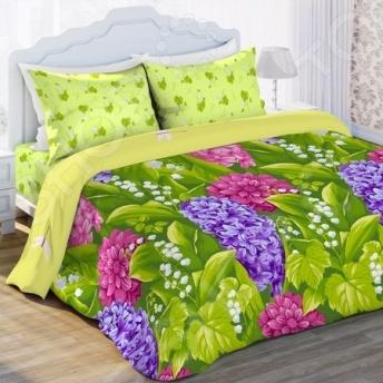 Комплект постельного белья Любимый дом «Гиацинт». Семейный. Цвет: салатовыйСемейные<br>Комплект постельного белья Любимый дом Гиацинт это удобное постельное белье, которое подойдет для ежедневного использования. Чтобы ваш сон всегда был приятным, а пробуждение легким, необходимо подобрать то постельное белье, которое будет соответствовать всем вашим пожеланиям. Приятный цвет, нежный принт и высокое качество ткани обеспечат вам крепкий и спокойный сон. 100 хлопок, из которого сшит комплект отличается следующими качествами:  достаточно мягка и приятна на ощупь, не имеет склонности к скатыванию, линянию, протиранию, обладает повышенной гигроскопичностью, практически не мнется, не растягивается, не садится, не выгорает, гипоаллергенна, хорошо отстирывается и не теряет при этом своих насыщенных цветов;  ворсинки равномерно распределяют статическое электричество;  это самая современная фотопечать, которая прекрасно передает цвет и мельчайшие детали изображения;  за счёт специального переплетения волокон ткань устойчива к механическим воздействиям. Перед первым применением комплект постельного белья рекомендуется постирать. Перед стиркой выверните наизнанку наволочки и пододеяльник. Для сохранения цвета не используйте порошки, которые содержат отбеливатель. Рекомендуемая температура стирки: 40 С и ниже без использования кондиционера или смягчителя воды.<br>
