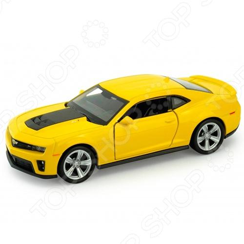 Модель автомобиля 1:34-1:39 Welly Chevrolet Camaro ZL1. В ассортименте