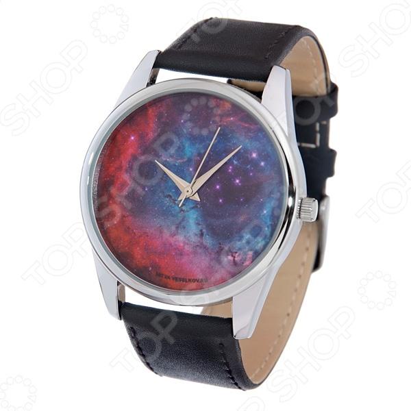 Часы наручные Mitya Veselkov «Космос» MVНаручные часы унисекс<br>Не секрет, что правильно подобранные аксессуары вершат весь образ, добавляют ему законченности и помогают грамотно расставить цветовые акценты. Наручные часы же являются не просто стильным украшением, но и весьма функциональным аксессуаром. Именно поэтому, наряду с оригинальным дизайном и влиянием модных тенденций, при их выборе важно учитывать вид часового механизма и качество используемых материалов. Часы наручные Mitya Veselkov Космос MV станут отличным дополнением к набору ваших аксессуаров. Модель отличается стильным дизайном и прекрасным качеством исполнения, хорошо сочетается с яркими креативными нарядами и оригинальными украшениями. Корпус часов выполнен из минерального стекла и сплава металлов. Ремешок изготовлен из натуральной кожи, застежка классическая. Механизм часов кварцевый Citizen Япония .<br>