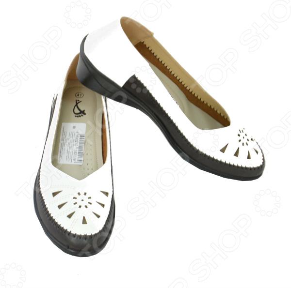 Туфли АЛМИ «Шарлотта»Туфли<br>Туфли АЛМИ Шарлотта удобная и практичная обувь, которая прекрасно дополнит ваш летний гардероб. Они настолько легкие и комфортные, что подойдут не только для повседневных прогулок, но и для дома.  Изготовлены из высокотехнологичного материала экокожа.  Данная модель, изготовлена по технологии литьевого метода крепления.  Перфорация по бокам туфель, позволит коже дышать.  Танкетка 2 см, придаст максимум комфорта.<br>