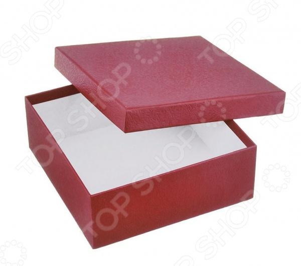 Коробка подарочная Феникс-Презент «Алый»Подарочная упаковка. Открытки<br>Не секрет, что красивое оформление является важным элементом любого подарка. Упаковка, порой, вызывает даже больше эмоций, чем сам презент. Коробка подарочная Феникс-Презент Алый это прекрасная возможность оригинально упаковать ваш подарок. Изделие выполнено из мелованного негофрированного картона и снабжено крышкой.<br>